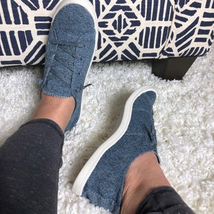 Lennie Flexible Bottom Lace Up Canvas Sneakers